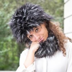 Chapka grise et noir poils longs en fausse fourrure