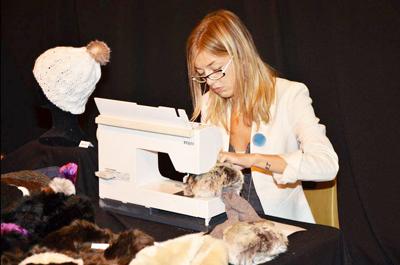 Aline's Fashion : ligne d'accessoires en fausse fourrure