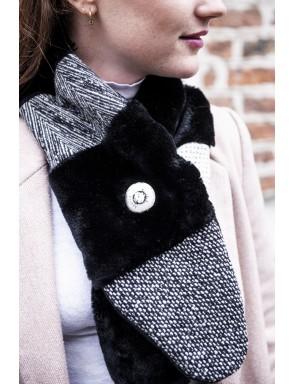 Faux fur crossed scarf Eunice