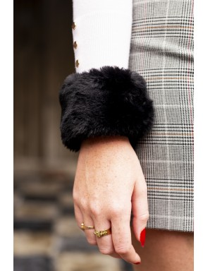 Faux fur Dominique cuff