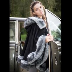 Cape en drap de laine et fausse fourrure grise