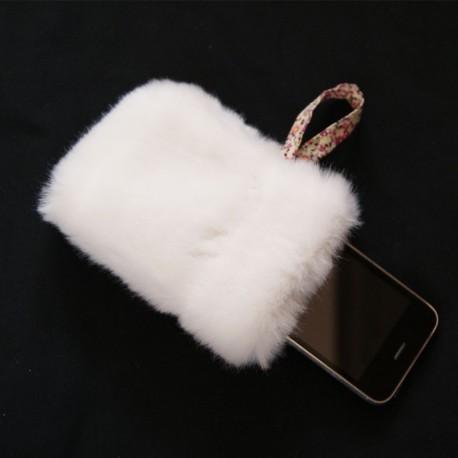 Etui smartphone en fausse fourrure blanche