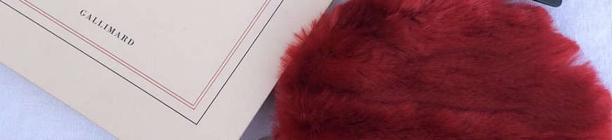 Wallet in fake fur