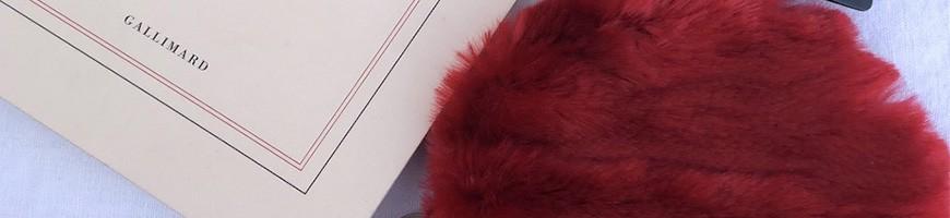 Wallet in fake fur