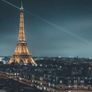 Petit coucou de paris pour vous rappeler  que je suis à Paris pour un pop up store au 75 rue de Sèvres dans la boutique éphémère @lescreateursdebabylone de 11h à 19h à partir d'aujourd'hui jusqu'au 23 décembre✨  #noel #cadeaunoel #ideecadeau #paris #creatricefrancaise #creation #faitmain #faitmainenfrance #paris #popupstore #faussefourrure #modeethique #creationetique