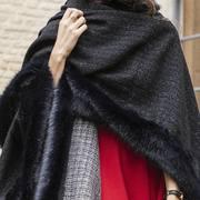 ❄️Le froid arrive ! Optez pour la cape Elsa, pratique et élégante elle sera parfaite pour affronter l'hiver❄️  ✨Disponible sur notre site✨  Photo : @clementdecoster  Model : @caroline_dtn   🇬🇧The cold is coming ! Opt for the Elsa cape, practical and elegant, it will be perfect for facing winter❄️  ✨Available on our website✨  #faussefourrure #mode #fashion #fashionstyle #creatricefrancaise #madeinfrance🇫🇷 #madeinlille #lille #environnement #fakefur #hiverstyle #winterstyle #protectionanimale #cadeaunoel #christmasgifts #readyforwinter #france