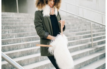 The must in winter: the faux fur bag: